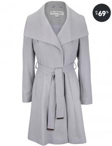 Sivý kabát vo výpredaji